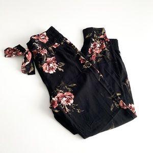 Dynamite Sasha Belted Jogger Pants Black Floral